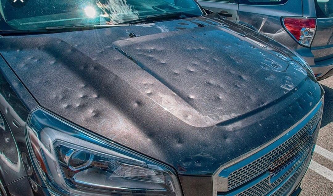"""Eliminare le ammaccature dalla carrozzeria dell'auto: I metodi """"fai da te"""" che non dovresti mai utilizzare"""